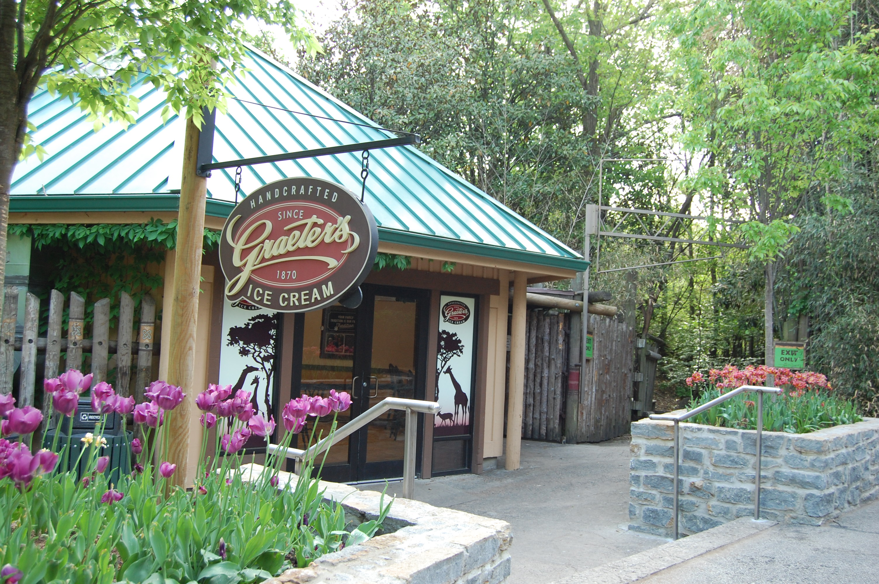 Shopping Amp Dining Cincinnati Zoo Amp Botanical Garden 174